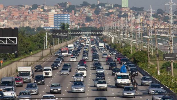 Marginal-Pinheiros-vai-receber-via-de-ônibus